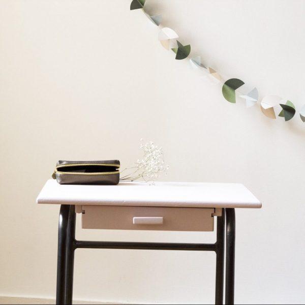 Bureau écolier peinture anglaise avec guirlande papier TRENDY LITTLE