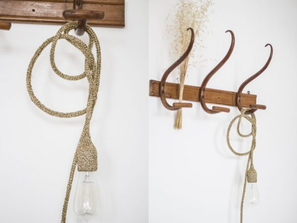 Lampe baladeuse suspendue sur patère boisTRENDY LITTLE