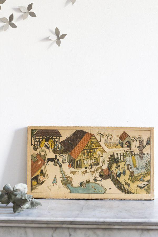 Tableau enfant vintage pour décorer le mur de la chambre d'enfant, représentant une ferme dans les années 60, restauré par Trendy Little