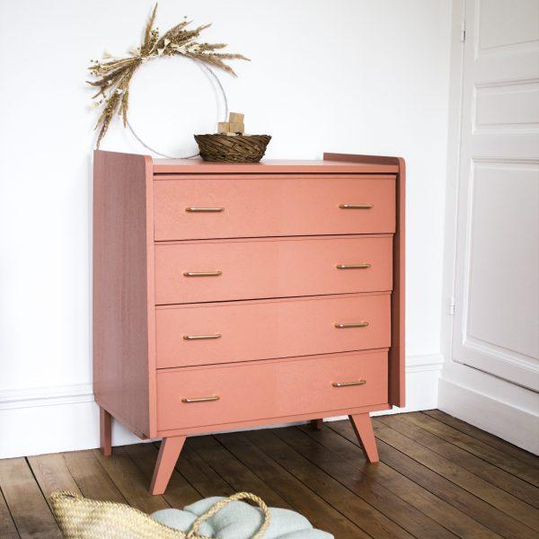 Commode vintage en chêne restaurée et peinte au coloris Terracotta, dans l'atelier Trendy Little.