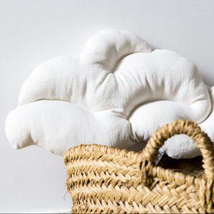 coussin nuage cousu à la main, coloris blanc, création trendy little