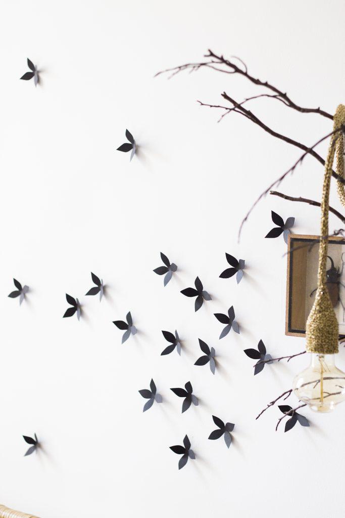Décoration murale découpée à la main dans l'atelier Trendy Little : semis de fleurs à accrocher au mur