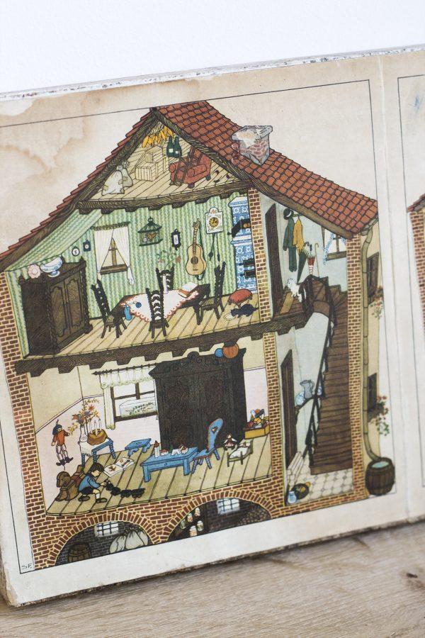Tableau enfant vintage pour décorer le mur de la chambre d'enfant, représentant une maison allemande dans les années 60, restauré par Trendy Little