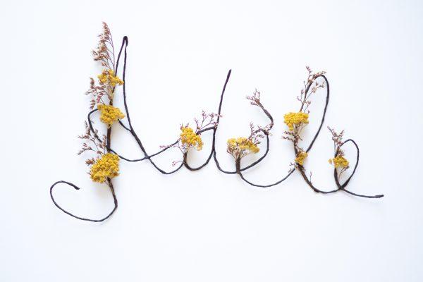Prénom en fleurs séchées Adèle, créé par Trendy Little