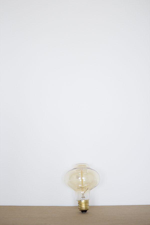Ampoule bulbe ambrée vendue par Trendy Little