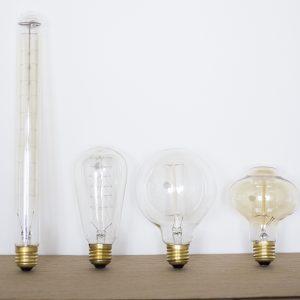 4 ampoules au look vintage, une ampoule tube, une ampoule bulbe, une ampoule ronde, une ampoule poire, vendues par Trendy Little