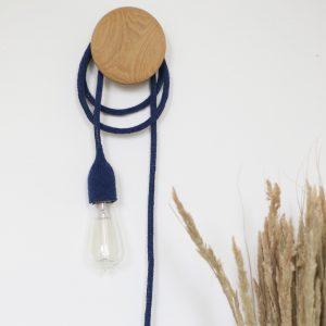 Lampe baladeuse bleu nuit, fabriquée par Trendy Little