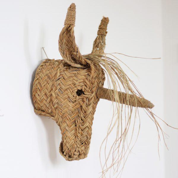 Trophée mural tête de licorne en esparto, vendu par Trendy Little
