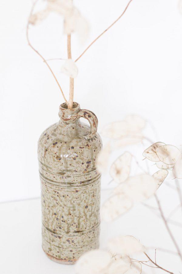Pot gris moucheté en grès vintage, chiné par Trendy Little