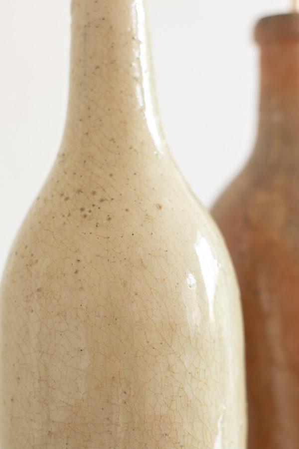 Vase et bouteilles en terre-cuite et grès chinés par Trendy Little