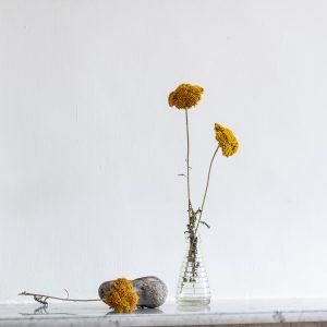 Petit vase en verre strié chiné par TRENDY LITTLE