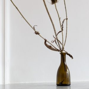 Petit vase en verre fumé vintage chiné par l'atelier Trendy Little