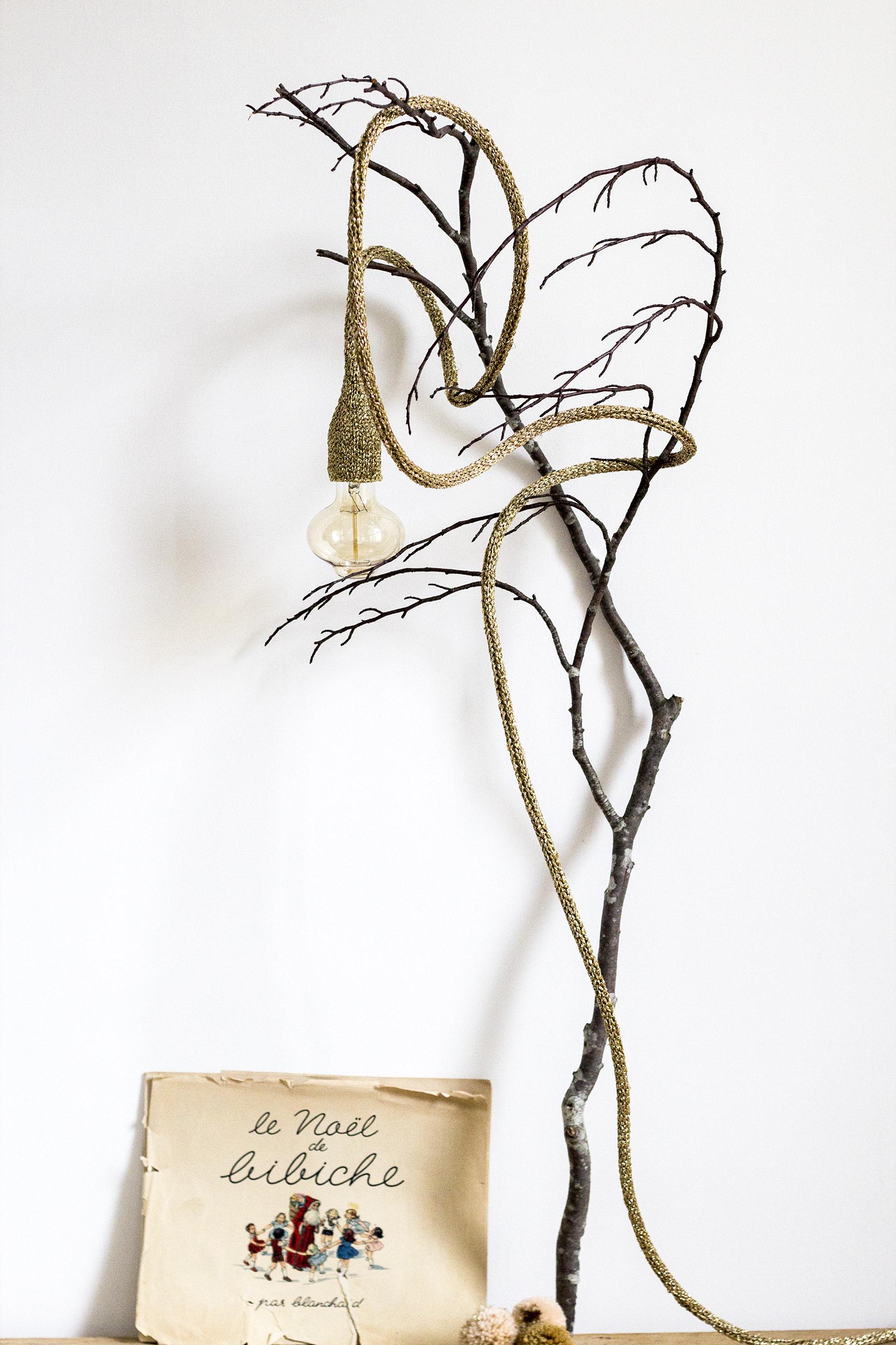 Lampe baladeuse doré cadeau de Noël pour enfant, créé et fabriqué par Trendy Little