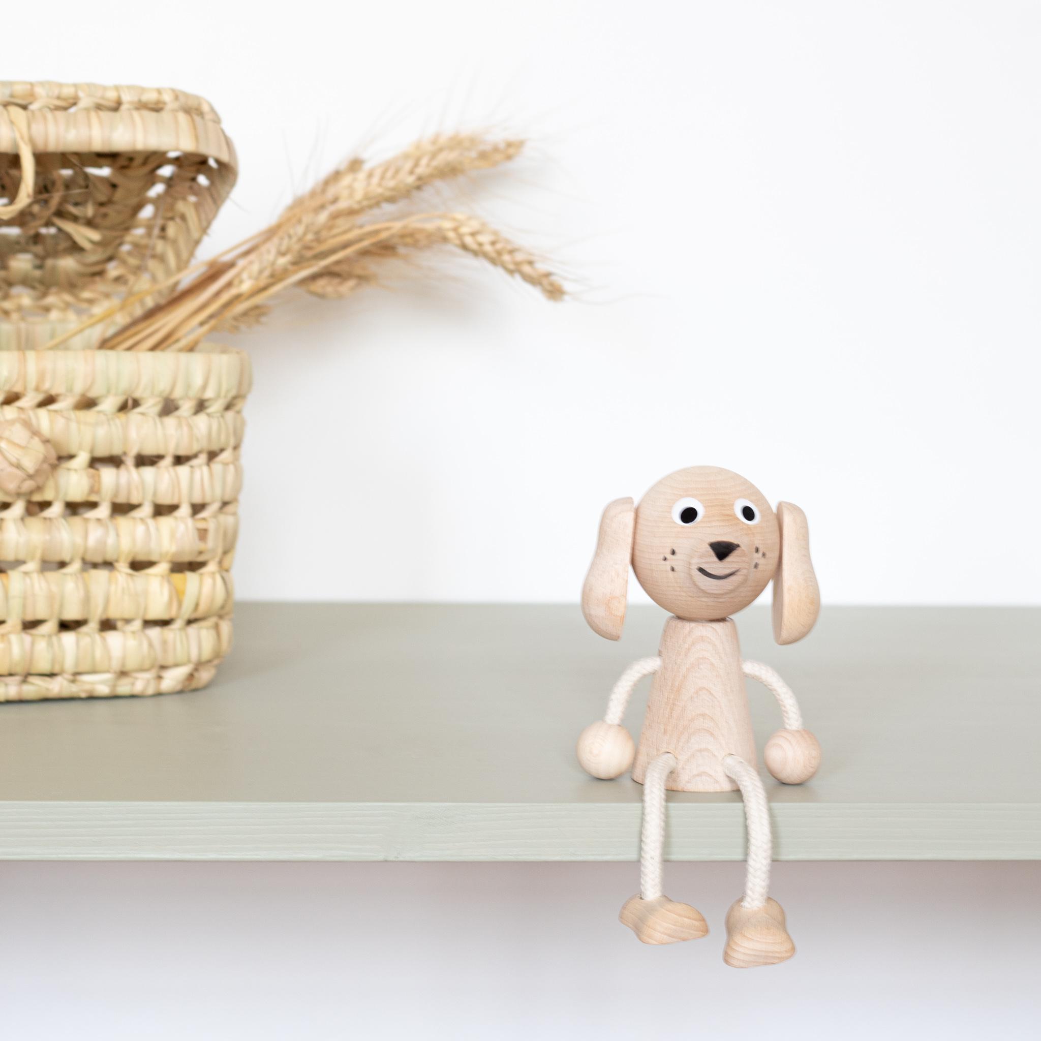 Chien jouet en bois pour enfant, vendu par Trendy Little