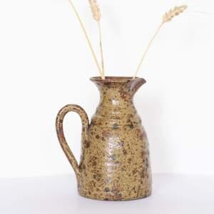 Vase à anse en grès Trendy Little