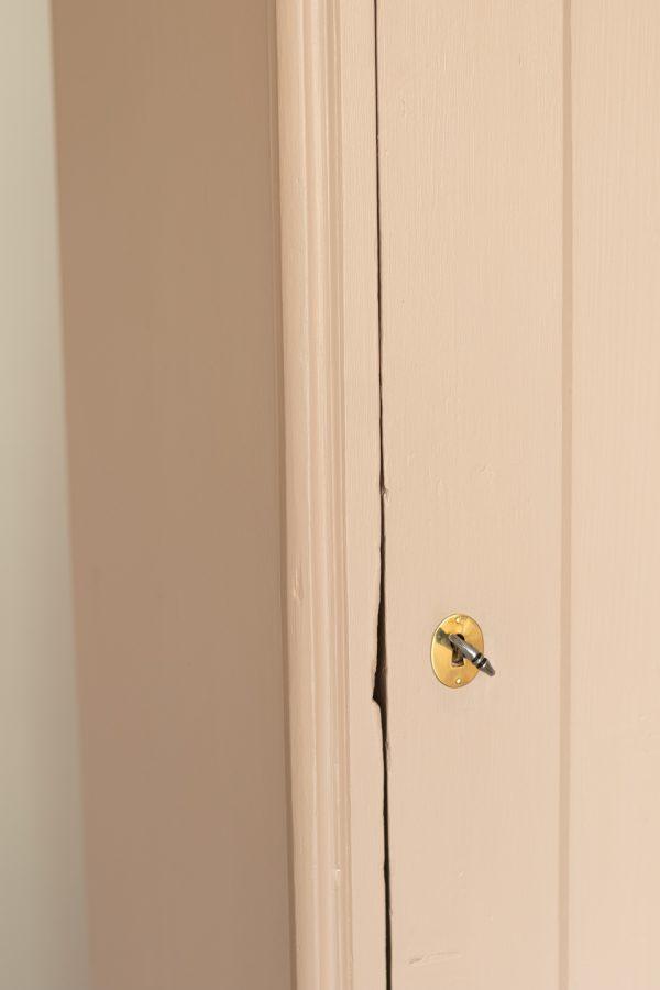Bonnetiere vintage pour chambre enfant restaurée par l'atelier Trendy Little