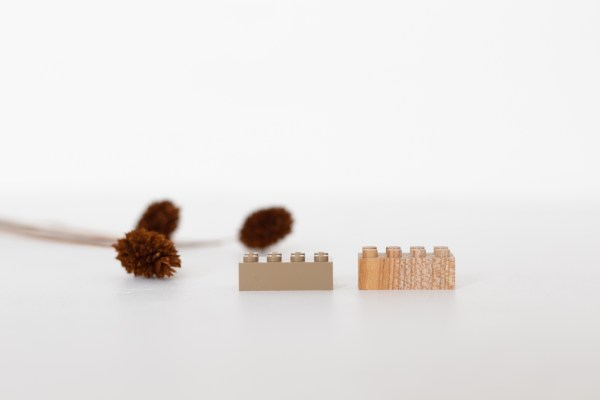 Lego en bois Mokulock vendu par Trendy Little