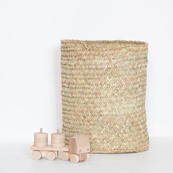 Grand panier de rangement tressé pour chambre enfant vendu par l'atelier TRENDY LITTLE