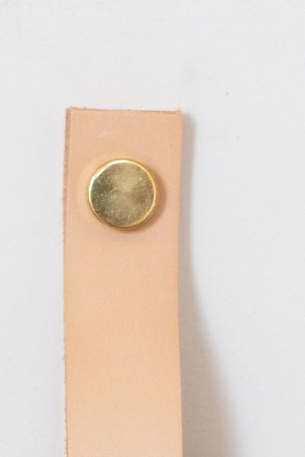 Poignée en cuir et bouton plat en laiton Trendy Little